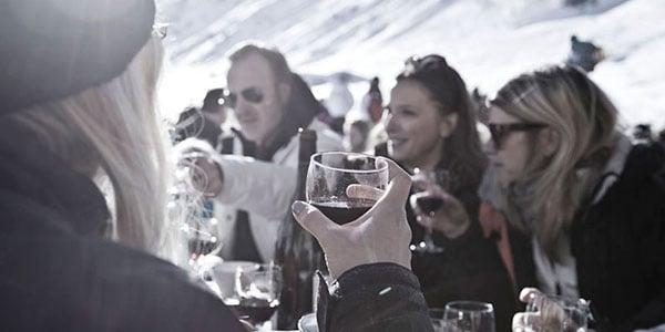 Gourmet Skituren er kun for voksne. God mad, smagfulde vine og hyggeligt selskab