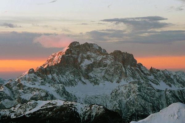 Italiensk-solopgang-2200-meters-hoejde-1