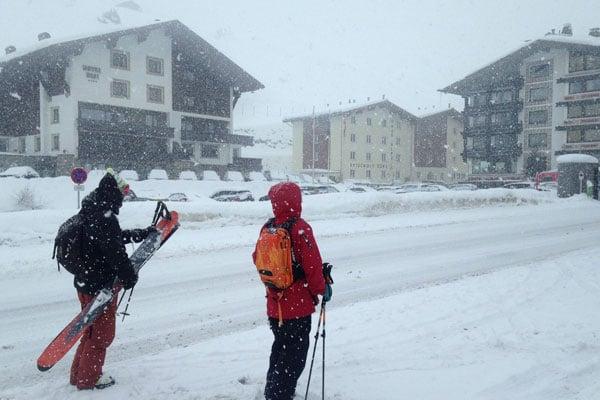 Sneen fortsatter med at falde i Arlberg