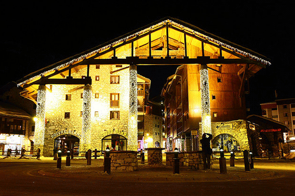 Val d'Isere by night